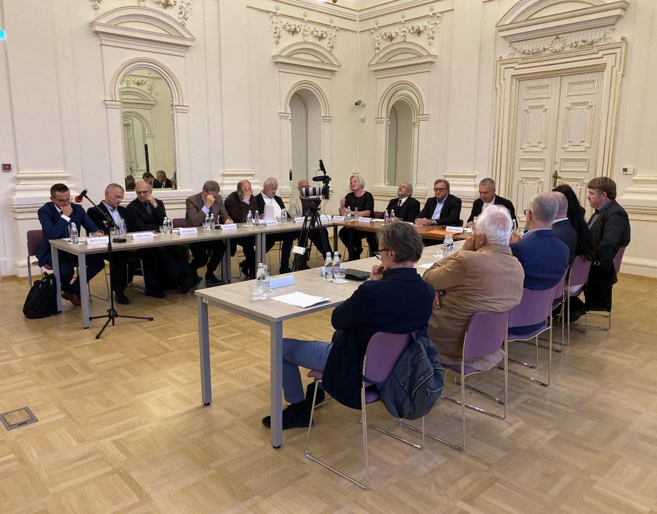 """Simpozij """"Identiteta Evrope"""" (video) 12 Prostozidarji in prostozidarstvo Velika Loža Slovenije"""